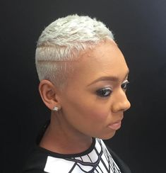 40 TWA Hairstyles That Are Totally Fabulous Platinum Blonde Crop Blonde Twa, Platinum Blonde Hair, Blonde Balayage, Blonde Highlights, Platinum Pixie, Ice Blonde, Short Grey Hair, Short Hair Cuts, Short Hair Styles