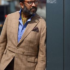 Mark Austin of Bespoke Couture New York City, New York bringing modern life to the classic Norfolk jacket. Killer! @guerreisms  #bespokecouture #menstyle #menswear #menstylemasterclass #dukeofwindsor #norfolkjacket #streetstyle #cleanlikelilchildren #ccff #pitti #pittiuomo #Q #Quincy
