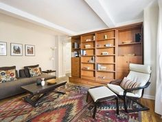 Chelsea studio with two walk-in closets seeks $489000