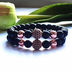 Egyedi elképzelés alapján készült. Matt onix ásvány karkötő rosegold hematittal és cirkonnal. Paros, Facebook Sign Up, Beaded Bracelets, Jewelry, Jewlery, Bijoux, Pearl Bracelets, Schmuck, Jewerly