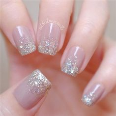 The advantage of the gel is that it allows you to enjoy your French manicure for a long time. There are four different ways to make a French manicure on gel nails. Simple Wedding Nails, Wedding Nails Design, Trendy Wedding, Colorful Nail Designs, Nail Art Designs, Cute Nails, Pretty Nails, Manicure Natural, Hair And Nails