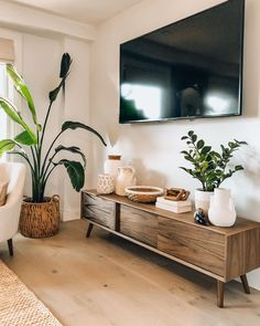 Boho Living Room, Living Room Modern, Living Room Designs, Tv In Living Room, Tv Stand Decor, Tv Decor, Living Room Inspiration, Home Decor Inspiration, Ideas Hogar