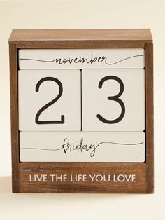 Decorate your desk with this adorable block calendar and always remember to live the life you love! Block Calendar, Farmhouse Interior, House Entrance, Cozy Blankets, Always Remember, The Life, Room Decor, Desk, Diy Crafts