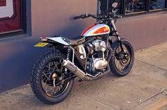 "motographite: KAWASAKI W650 ""STREET TRACKER"" STP by Deus Ex Machina"
