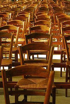 Chairs inside the nef of the Reims Cathedral   Sofa ni dep, Các mẫu sofa nỉ đẹp đẹp nhất Hà Nội http://soloha.vn/sofa-ni-dep.html