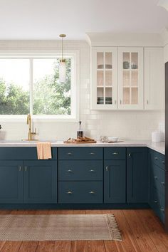 Vital Pieces of Amazing Small Kitchen Concepts For Your Snug Cooking A new kitchen design should think about the form of doors to be set up. Anyway, an open-kitchen style is sort of on trend now, enabling you to be… Continue Reading → Kitchen Cabinet Colors, Kitchen Redo, Home Decor Kitchen, Kitchen Interior, Home Kitchens, Kitchen Remodel, Navy Blue Kitchen Cabinets, Navy Blue Kitchens, Blue Kitchen Ideas