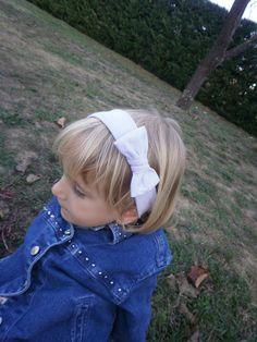 bandeau b b bleu marine avec noeud jeans bandeau cheveux petite fille et b b taille. Black Bedroom Furniture Sets. Home Design Ideas