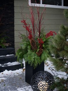 Make some creative Christmas front porch decor! Outdoor Christmas decorations for every family! Let's get started decorating your front porch for Christmas! Christmas Urns, Christmas Flowers, Outdoor Christmas Decorations, Christmas Design, Christmas Home, Contemporary Christmas Decorations, Simple Christmas, Canadian Christmas, Elegant Christmas