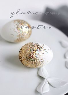 Llega la Semana Santa y te proponemos desarrollar tu creatividad, y la de tu familia, con unas ideas para decorar huevos de Pascua. ¿Te animas?