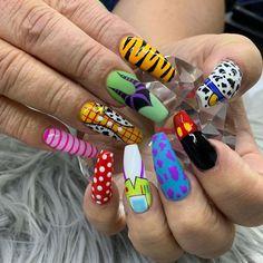80 ideas to create the best Halloween nail decoration - My Nails Disney Acrylic Nails, Halloween Acrylic Nails, Simple Acrylic Nails, Summer Acrylic Nails, Best Acrylic Nails, Disney Nails, Crazy Nails, Funky Nails, Edgy Nails