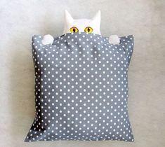 Оригинальные текстильные подушки с подглядывающими кошками. Обсуждение на LiveInternet - Российский Сервис Онлайн-Дневников