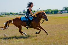 article about mounted archery on a standard archery website - interview with Serena Lynn of Texas