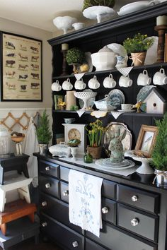 Dining Room Ideas Esszimmer Hutch Display Ideen Gardening Is Not An Easy Task But Home Gardening Tip Dining Room Hutch, Kitchen Hutch, Dining Room Design, Kitchen Decor, Kitchen Cart, Dining Chair, Hutch Display, Home Interior, Interior Design