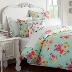 PB Teen Junk Gypsy Country Blooms Duvet Cover, Twin, Light Pool/Multi ($89) ❤ liked on Polyvore featuring home, bed & bath, bedding, duvet covers, flower stem, faux bedding, flower bedding, pbteen and extra long twin duvet