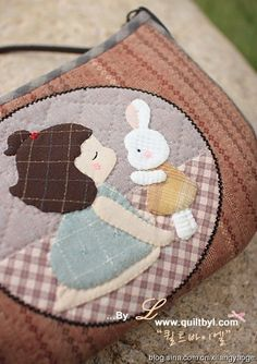Cute applique (with drawing) Applique Patterns, Applique Quilts, Embroidery Applique, Quilt Patterns, Japanese Patchwork, Patchwork Bags, Quilted Bag, Small Sewing Projects, Sewing Crafts