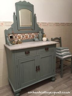 Beautiful wash stand painted in ASCP Duck Egg Blue, lightly distressed, and sealed with clear wax.