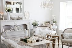 More dreamy whites in Jean Coon's Shabbyfufu home. <3