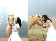 Photo Fridays | Romantic Horse Bridal Shoot