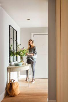 10 desastres decorativos que no hay que cometer en el recibidor Decor, Living Room Colors, Bedroom Design, Trending Decor, Dream Decor, Interior Design, Home Decor, Entryway, Interior Design Living Room Warm