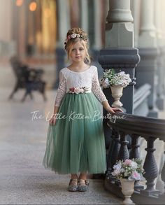 Our sage green tulle and lace flower girl dress is perfect for any style wedding and any wedding season. This dresses is also great for kids photo shoots, birthdays or any other special occasion. Green Flower Girl Dresses, Flower Girl Dresses Boho, Tulle Flower Girl, Tulle Flowers, Girls Dresses, Pageant Dresses, Flower Girl Hair, Diy Flowers, Tulle Dress