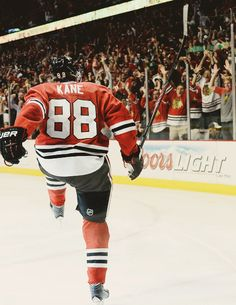 Free Betting Tips - Patrick Kane: Stanley Cup Final, Game 5 (withglowinghearts- Blackhawks Hockey, Hockey Teams, Chicago Blackhawks, Rangers Hockey, Hockey Stuff, Sports Teams, Hockey Baby, Ice Hockey, Hockey Girls
