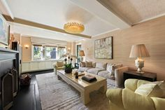 Hollywood celebrity Cameron Diaz is selling her luxurious Manhattan apartment and asked the interior designer Kelly Wearstler to decorate her new dream house. www.bocadolobo.com