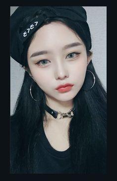 Pretty Korean Girls, Cute Korean Girl, Asian Girl, Korean Casual Outfits, Comic Tutorial, Korean Anime, Uzzlang Girl, Cute Makeup, Interesting Faces