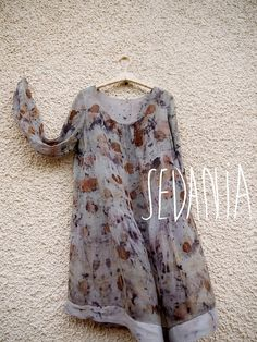 Vestido de seda estampado con tinte natural. por Sedaniatienda