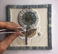 building a flower, where to start, how to finish, find out more on mosaic art online with Anne Cardwell