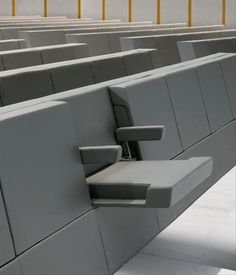Awesome design for stadium and event seating and room for wheelchairs too More modern & creative product/industrial designs Design Furniture, Chair Design, Cool Furniture, Futuristic Furniture, Interior Architecture, Interior And Exterior, Interior Design, Intelligent Design, Smart Design