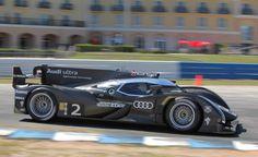 Audi R18 e-tron quattro Hybrid Race Car