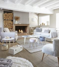 How to adopt the hygge trend for your home decor? How to adopt the hygge trend for your home decor? Interior decoration for a cocooning lounge: sofa and fireplace in hygge style - most beautifu. Sweet Home, Style Deco, Interior Decorating, Interior Design, Design Interiors, Home Design, Lounges, Home Furnishings, Home Furniture