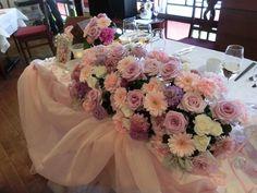 チュールの高砂♪ Wedding Designs, Wedding Ideas, Table Flowers, Flower Arrangements, Iphone Wallpaper, Wedding Planner, Floral Wreath, Tables, Wreaths