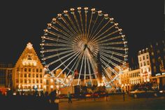 ferris wheel in the Lille Grand Place
