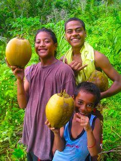 Samoa Polynesian Islands, Polynesian Art, Polynesian Culture, People Of The World, We The People, Samoan People, Samoan Food, Tahiti French Polynesia, West Papua
