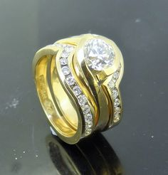 http://jewellerdirect.com.au/image/data/Gallery/Diamond%20rings/Fitted-Diamond-Engagement-Wedding-Eternity-Bridal-Rings-2web.jpg