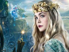 Cathryn worked on the dress worn by Elle Fanning in the role of Aurora in the film Maleficent. Elle Fanning, Dakota Fanning, Maleficent Aurora, Maleficent Movie, Malificent, Salma Hayek, Princesse Aurora, Coppola, Fairy Wallpaper