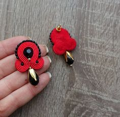 Pendientes de flamenca pendientes de colección MARESOL | Etsy Soutache Earrings, Red Felt, Ribbon Embroidery, Shibori, Quilling, Earrings Handmade, Beaded Jewelry, Jewerly, Glass Beads