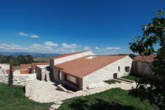 Casa en Janeanes / Branco-DelRio Arquitectos