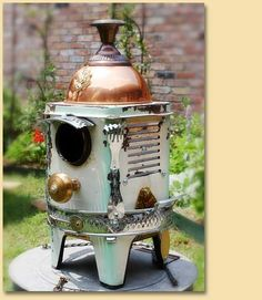 GadgetSponge Upcycled, Recycled Porcelain Enamel Green and White Space Heater with Copper Top Birdhouse