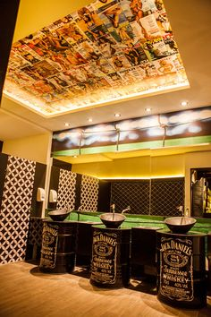 Saloon Barbearia e bar