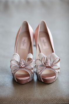 Valentino wedding shoes are a favorite among stylish brides. Featuring soft neutral tones, patent leather, and strappy sandals, these luxury pumps are the culpr Stilettos, High Heels, Shoes Heels, Bow Shoes, Pink Shoes, Flat Shoes, Valentino Wedding Shoes, Valentino Shoes, Valentino Couture