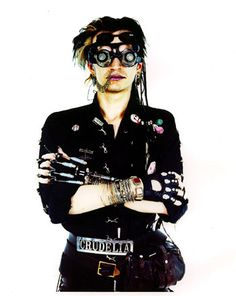There used to be a cyberpunk subculture back in the Now there's retrofuturism. Cyberpunk Mode, Cyberpunk Girl, Cyberpunk Character, Cyberpunk Fashion, Cyberpunk Aesthetic, Rivethead, Gothic, Post Apocalyptic Fashion, Futuristic Art