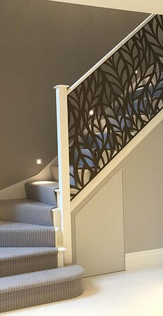 modern stair railing ideas iron safety grill design for staircase Modern Stair Railing, Modern Stairs, Railing Design, Staircase Design, Metal Stairs, Stair Case Railing Ideas, Deco Design, Design Case, Cabinet Trim
