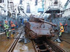 Поднятый со дна Баренцева моря танк доставлен в порт Мурманска http://www.hibiny.com/news/archive/111994  Боевая машина времен Великой Отечественной войны находилась на борту транспортного судна Томас Дональдсон, которое в марте 1945 года следовало в Мурманский порт из США в составе конвоя JW-65, но было торпедировано немецкими подлодками и затонуло в