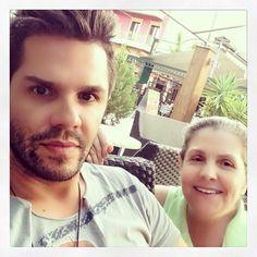 Από εδώ η μαμά μου! Έλληνες celebrities μας συστήνουν τη σημαντικότερη γυναίκα της ζωής τους