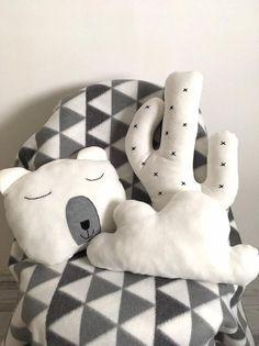 Baby Bedroom, Kids Bedroom, Cactus Cushion, Tribal Nursery, Bed Bumpers, Southwestern Decorating, Kids Room Design, White Pillows, Handmade Design