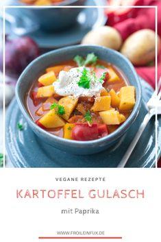 Frische Paprika, knackige Möhren, herzhafte Gewürze und Kartoffeln! Was man daraus machen kann? Ein super leckeres, veganes Kartoffel Gulasch.