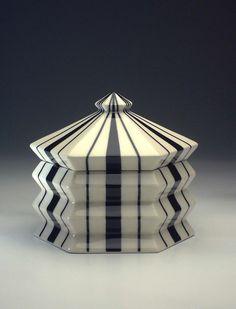 Ceramic box, design: P.Janák