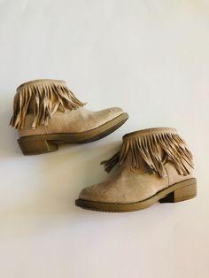 3dc8ef94b471 Girls fringe Fabkids tan boots size 7c Good used condition  fashion   clothing  shoes